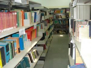 قسم المكتبات - رفوف كتب الاقسام العلمية المتنوعة و المتميزة1