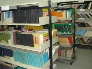 قسم المكتبات - رفوف كتب الاقسام العلمية المتنوعة و المتميزة2